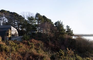 The Houseboat Poole Beachfront Award Winning Holiday Property Landscape
